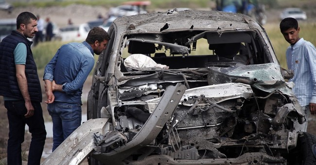 Turkey: 8 soldiers dead in clash with PKK, helicopter crash