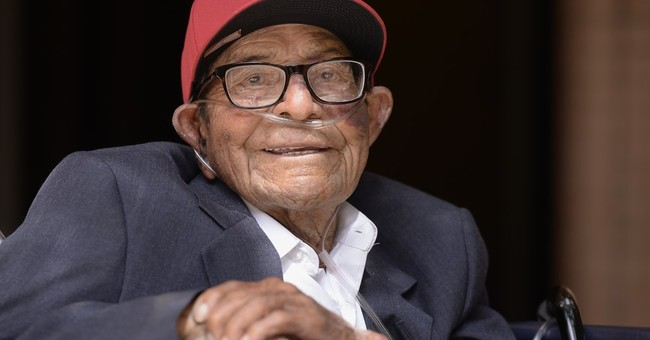 96-year-old becomes oldest USC graduate