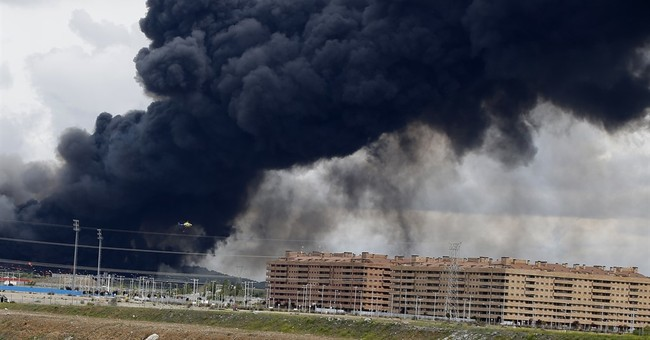 Spain evacuates 9,000 from massive tire fire near Madrid