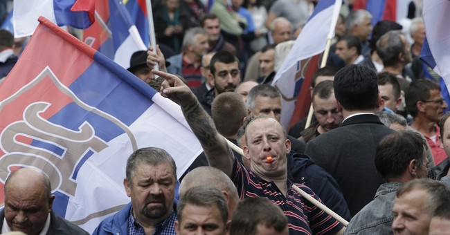 A clash of ideas: Bosnian Serbs rally for and against govt
