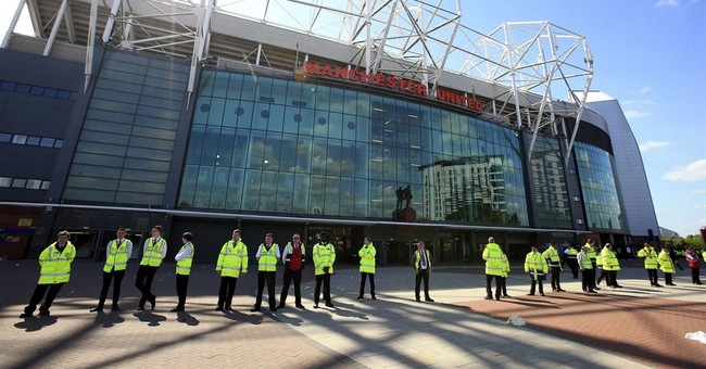 Security head sorry for leaving fake bomb at Old Trafford