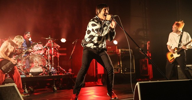 Chili Peppers nix concert after singer hospitalized with flu