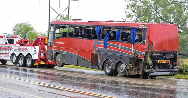 Bus that crashed, killing 8, had seatbelts only in first row