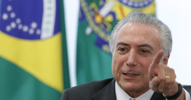 Acting Brazil leader rebuffed by 2 unions over impeachment