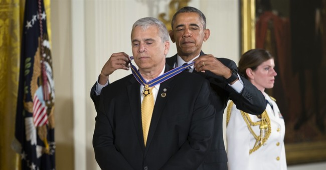 Granting Medal of Valor, Obama says US must listen to police