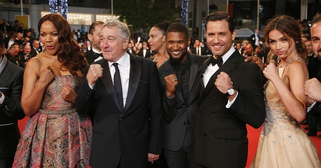 De Niro is back in the boxing ring, but the gloves are off