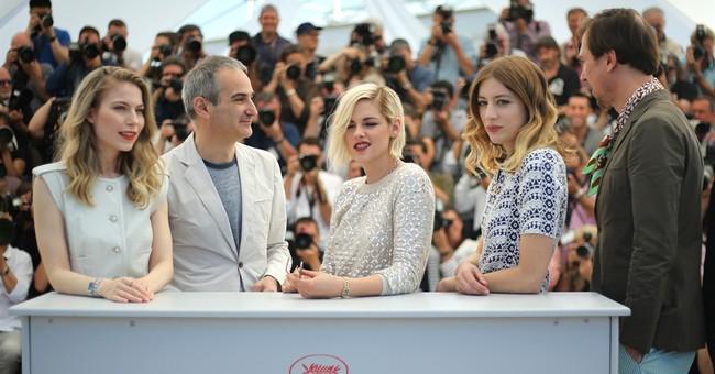 Stewart's 'Personal Shopper' met with boos, bravas in Cannes