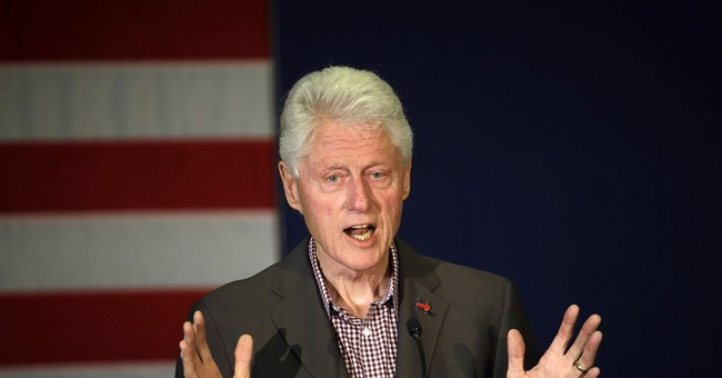 Hungary: Bill Clinton comments about dictatorship offensive