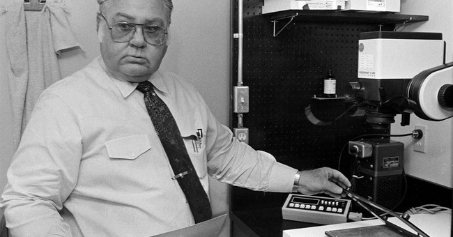 Long-time AP photographer Edward Kolenovsky dies at 87