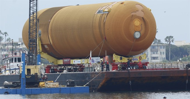 The Latest: Space shuttle tank ends voyage to Los Angeles