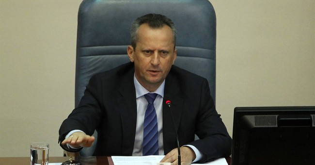 Macedonian lawmakers vote to postpone June 5 election