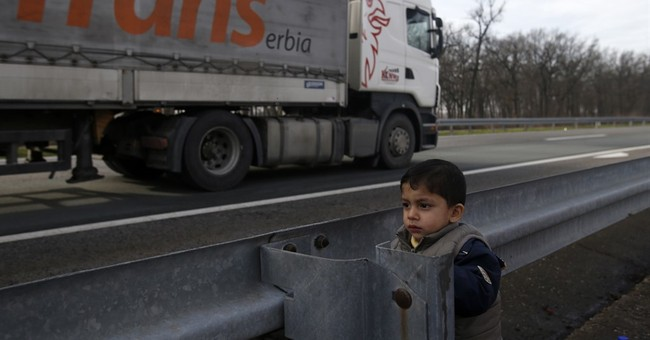 Refugees brave Balkan winter, border controls to get to EU