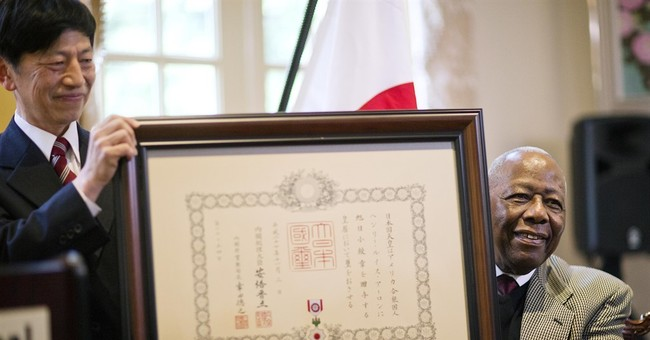 Japan honors Hank Aaron with Order of the Rising Sun
