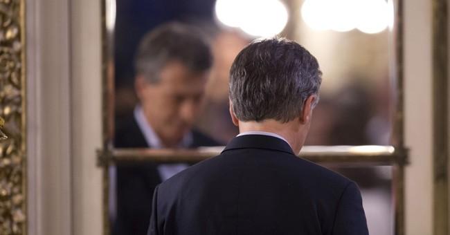 Argentine lawmakers OK bill to stop layoffs; Macri to veto