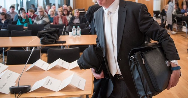 Prosecutors seek 6-year sentence for ex-Auschwitz guard, 94