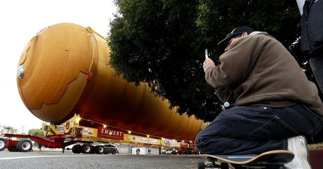 Space shuttle tank completes trek to Los Angeles museum