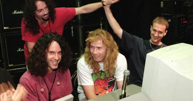 Ex-Megadeth drummer Nick Menza collapses on stage, dies