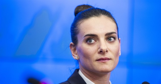 Isinbayeva vows lawsuit if Russia barred from Olympic track