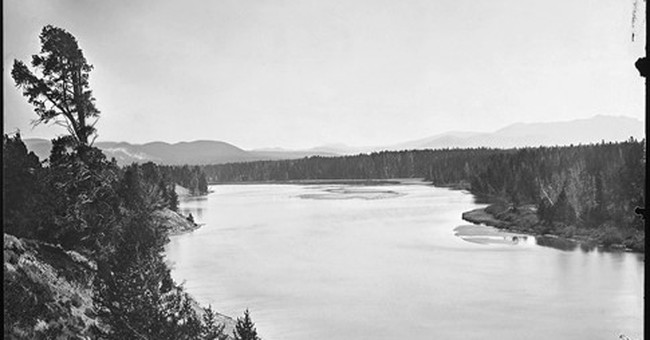 Photo exhibit shows Yellowstone changes over 140 years
