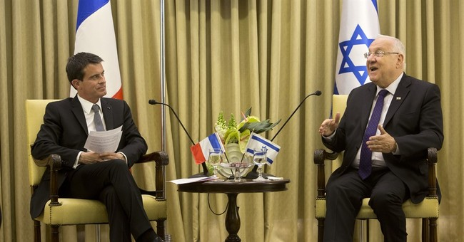 Netanyahu proclaims support for peace, despite French rebuff