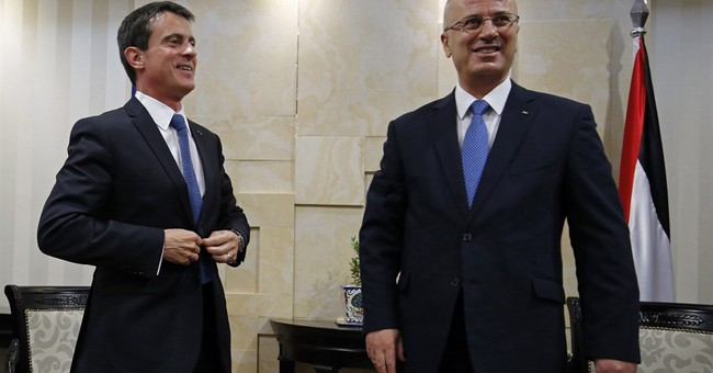 French premier pushes Mideast initiative with Palestinians