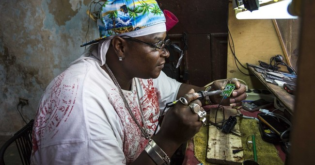 Cuba to legalize small and medium-sized private businesses