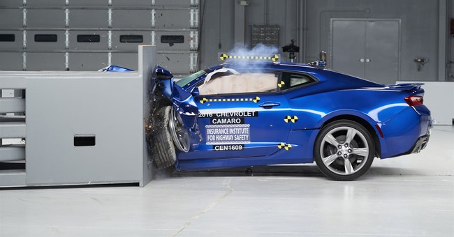 Detroit muscle cars aren't so strong in crash tests