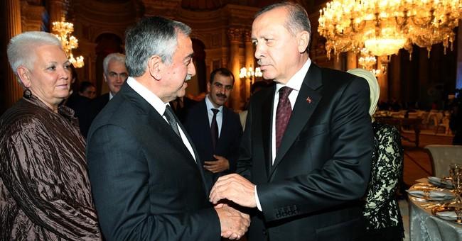 Upset Cyprus president calls off peace talks meet