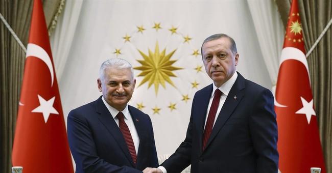 Seeking greater powers, Erdogan chairs Cabinet's 1st meeting