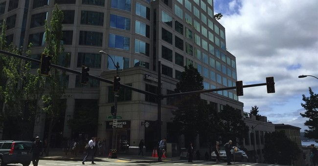 Large power outage disrupts Seattle's downtown core