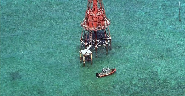 Lawsuit: Cubans who scaled Keys lighthouse should stay in US