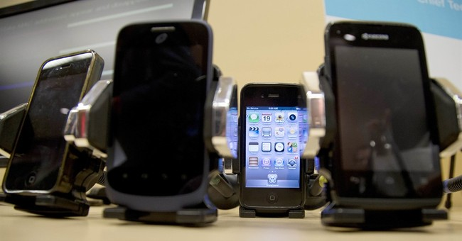 Cellphone radiation study raises concerns despite low risk