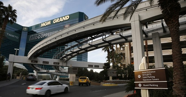 Reaction to MGM's plan to charge for parking on Vegas Strip