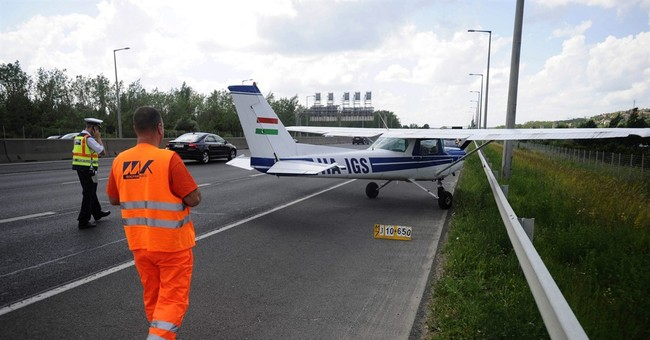 Small airplane makes emergency landing on highway in Hungary