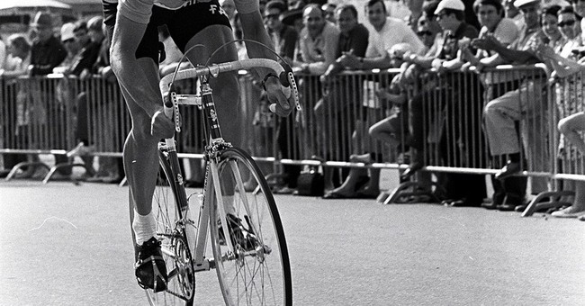 Prosecutor: Eddy Merckx to be charged in corruption case