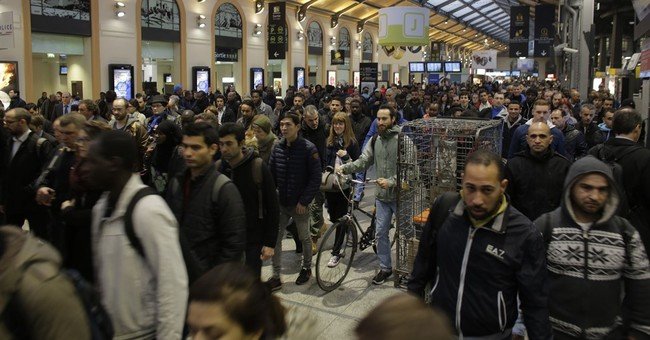 French trains hit hard by latest protest over labor reform