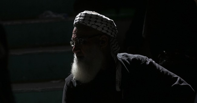 Hamas: Egypt temporarily reopens Gaza border crossing