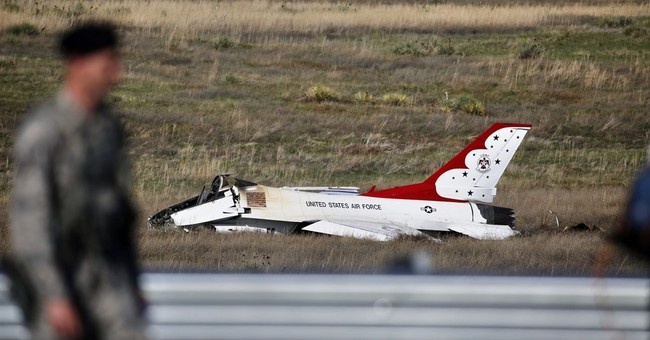 Thunderbirds pilot meets Obama shortly after ditching jet