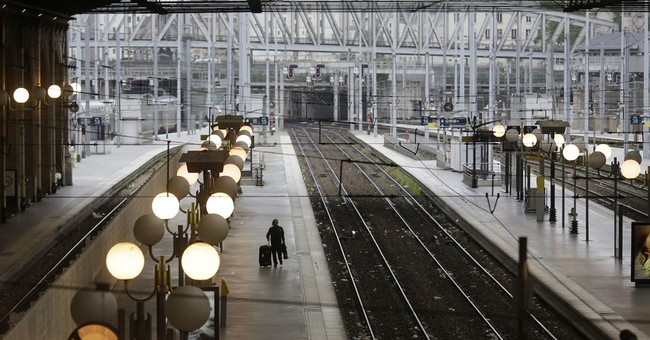 Power blackout as French workers strike over labor bill