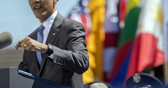 Obama warns Air Force grads not to succumb to isolationism
