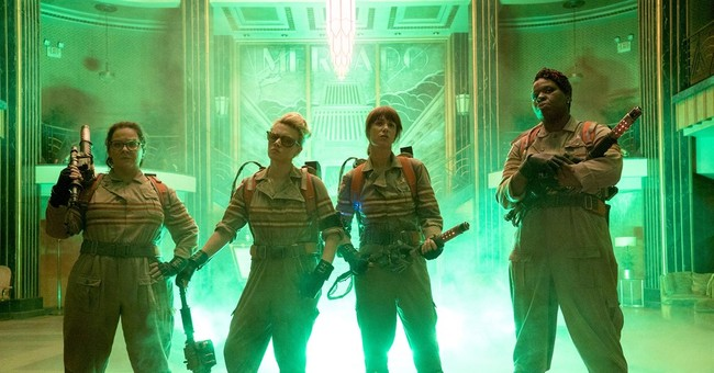 Hiding female cast, 'Ghostbusters' courts male moviegoers