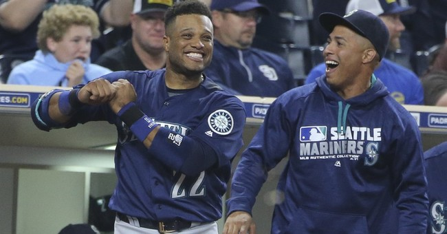 Mariners stun Padres with 14 runs in 2 innings to win 16-13