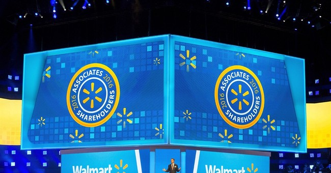 Wal-Mart's CEO urges employees to reimagine company's future