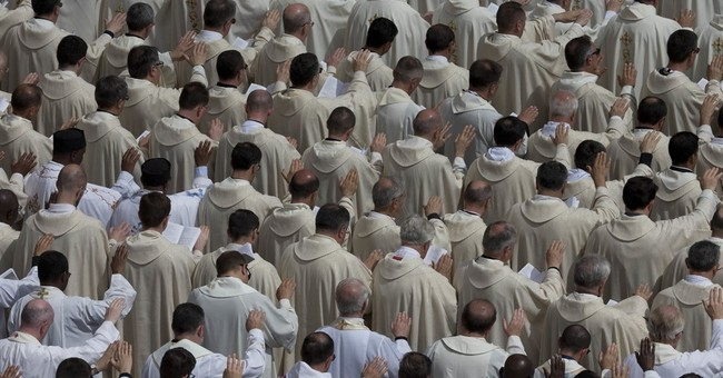 Vatican summit of judges pledges aid to fight trafficking