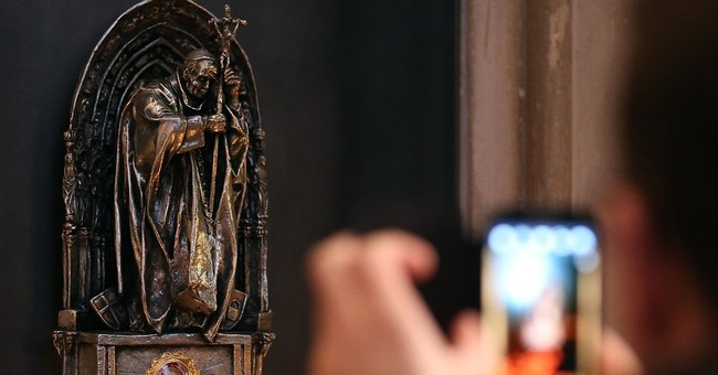 Cloth with late pope's blood stolen from Cologne cathedral