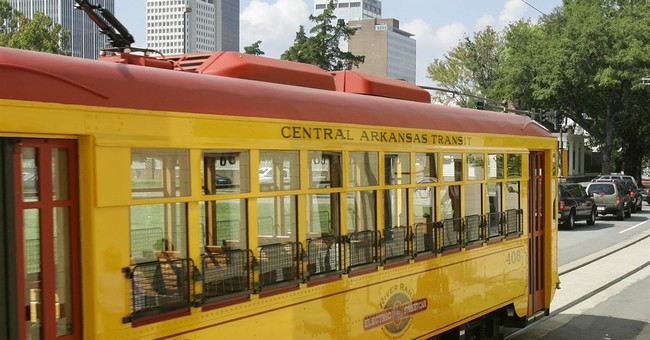 Streetcars en vogue, but study urges use beyond tourists