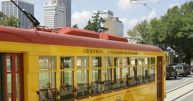Streetcars en vogue, but study urges use beyond tourists