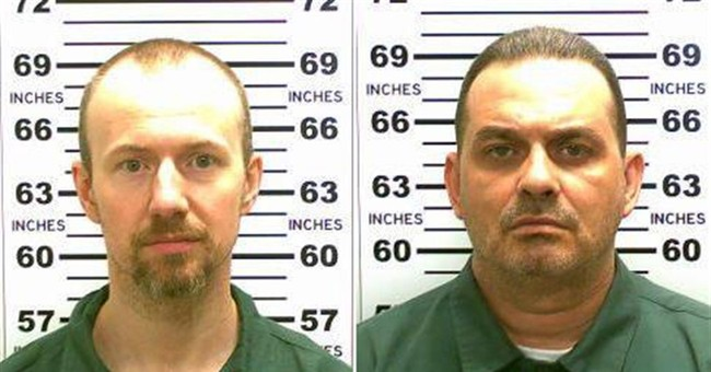 2 prison escapees wanted to go to Mexico with fake names