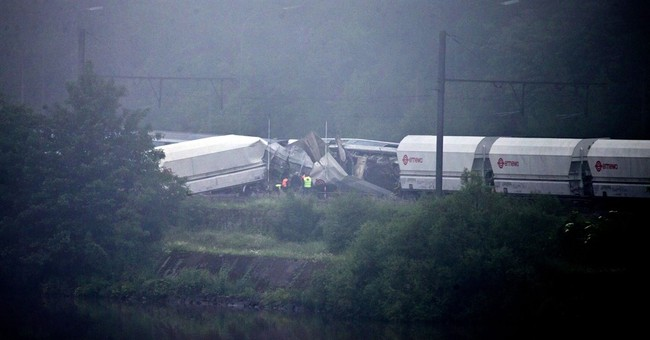 3 dead, 10 hospitalized as 1 Belgian train runs into another