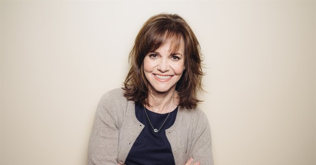 Sally Field to return to Broadway in 'The Glass Menagerie'